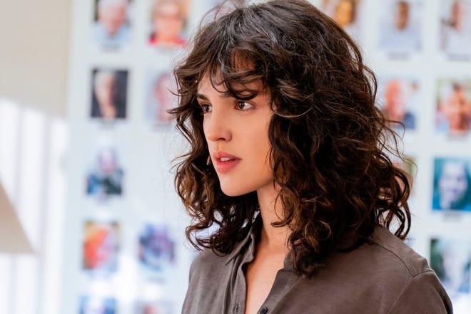 """Fotograma cedido por Netflix donde aparece la actriz Eiza González como Fran, durante una escena de la película """"I Care a Lot""""."""