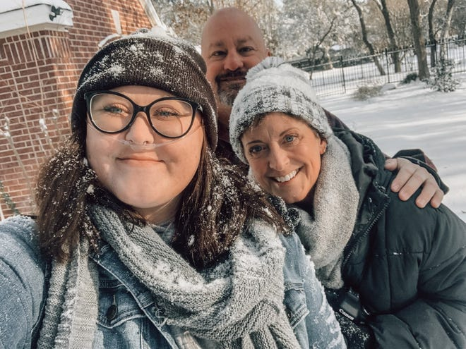Hannah Giffin resorted to rationing her oxygen after her family lost power amid frigid weather in Texas.