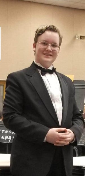 Cheboygan's own Thomas Tafoya will be performing as part of the choir in a free Voices Without Borders concert Saturday evening.