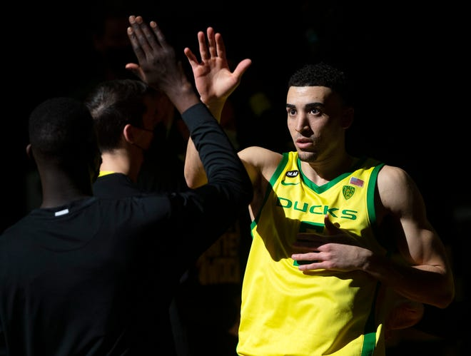 Oregon's Chris Duarte takes the court Thursday during team introductions before the game against Colorado.
