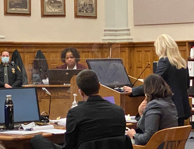 Defense attorney Laura Mills questions defendant Classie Hawthorne during her voluntary manslaughter trial last month in Stark County Common Pleas Court. Jurors deadlocked on a verdict and a mistrial was declared. Hawthorne pleaded guilty to felonious assault and was sentenced to prison at a hearing Friday.