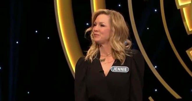 "Jennie Garth on ""Celebrity Wheel of Fortune"" [ABC]"