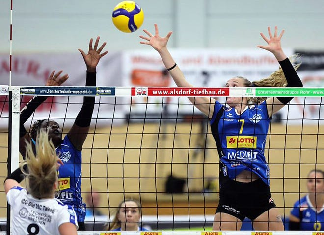 Rachel Anderson plays the center block position for VC Neuwied 77 in Germany.
