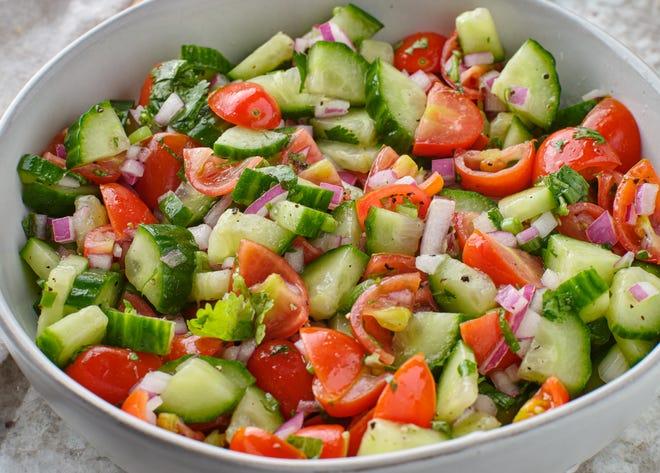 Παραγγείλετε μια ισραηλινή σαλάτα στο Big Nosh Jewish Food Festival