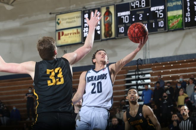 Washburn's Jalen Lewis (20) scored 13 second-half points to help the Ichabods rally to get within two points late before Missouri Western held on for an 81-77 win over the Ichabods on Thursday at Lee Arena.