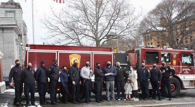 Fitzgerald Physical Therapy Associates in Melrose recently announced that they were able to donate $1,500 to the Melrose Fire 5K EMS Scholarship Fund. Pictured, is FA superintendent Kevin Walsh; FF Justin Mercier; FF John Glabicky; FF Christopher Grogan; FF Megan Balestraci; FF Sean Kelegan; LT Peter Grant; FF Matthew Arcovio; Sean, Holly and Regan Fitzgerald; FF Austin Ferreira; FF Justin Furtado; and LT Brian Moran.