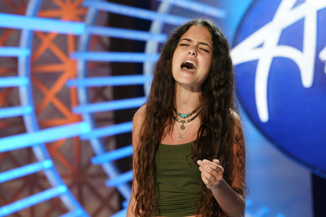 """Estero teen Casey Bishop auditions for the judges on """"American Idol."""""""