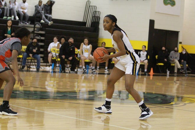 St. Amant's Amani Gray led all scorers with 24 points in the Lady Gators' first-round victory.