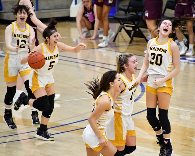Seminole players celebrate after beating Hereford in the Class 4A regional quarterfinals on Friday, Jan. 19, 2021 at the Rip Griffin Center.