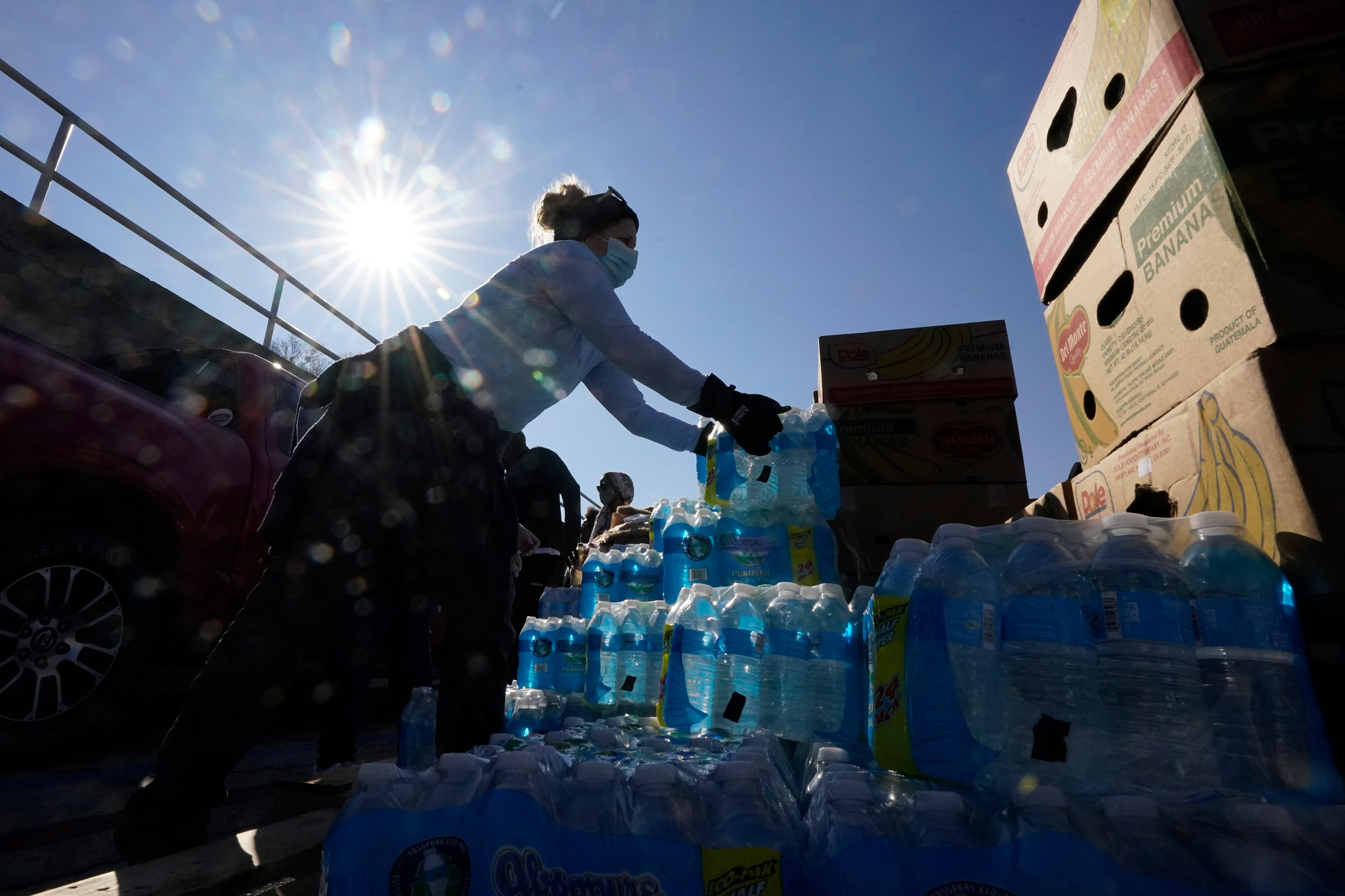 Southern cities hit hard by storms face new crisis: No water 2