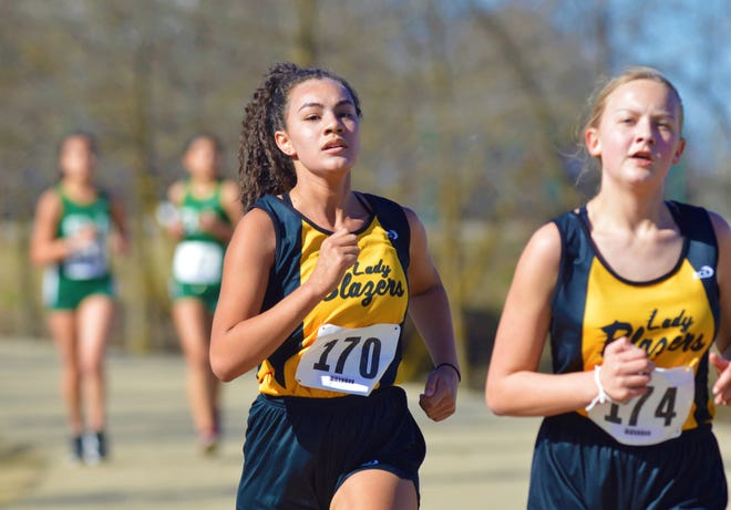 El Diamante and Golden West race on Feb. 20, 2021 at the Golden West Cross Country Invitational.