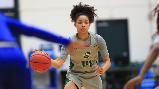 Kiya Turner scored 16 points to lead Stetson to a women's basketball victory over host Kennesaw State on Saturday, Feb. 20, 2021.