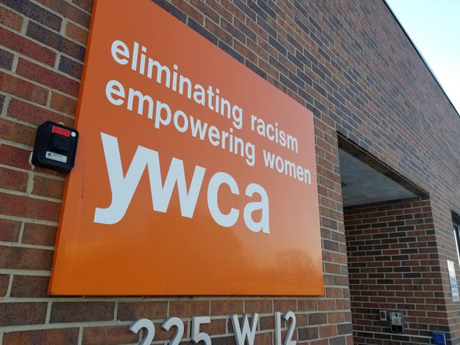 A new program as part of a partnership between YWCA Northeast Kansas and Hill's Pet Nutrition will help victims leave domestic abuse situations by giving them peace of mind that their pets will also be cared for.
