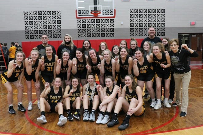 Colonel Crawford won its first sectional title since 2013 knocking off No. 2 Hopwell-Loudon.