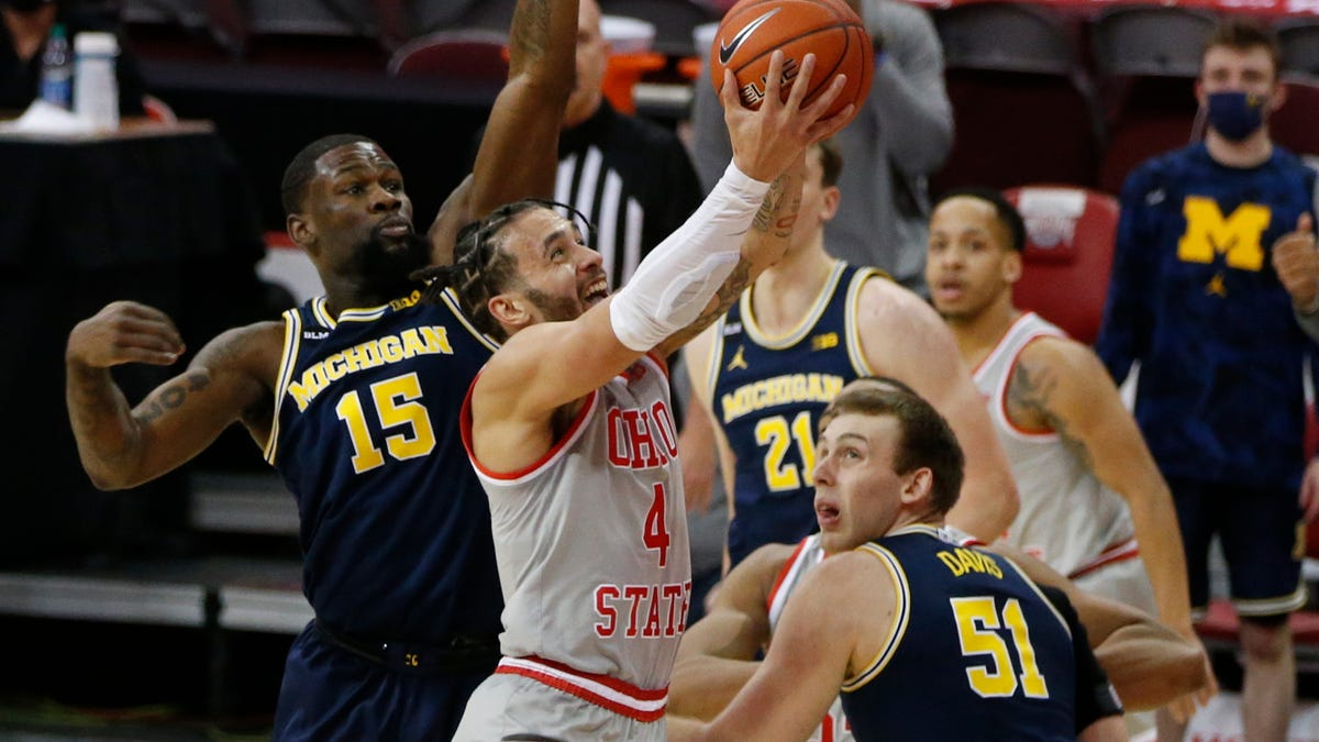 Michigan, Ohio State stay Nos. 3-4 in AP men's poll after weekend thriller 2