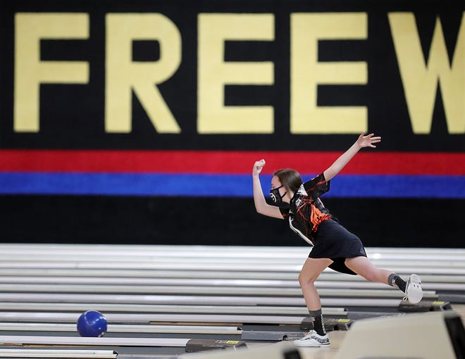 Emersyn Black of Green competes during the Division I district bowling championship at Freeway Lanes of Warren, Monday, Feb. 22, 2021, in Warren. [Jeff Lange/Beacon Journal]