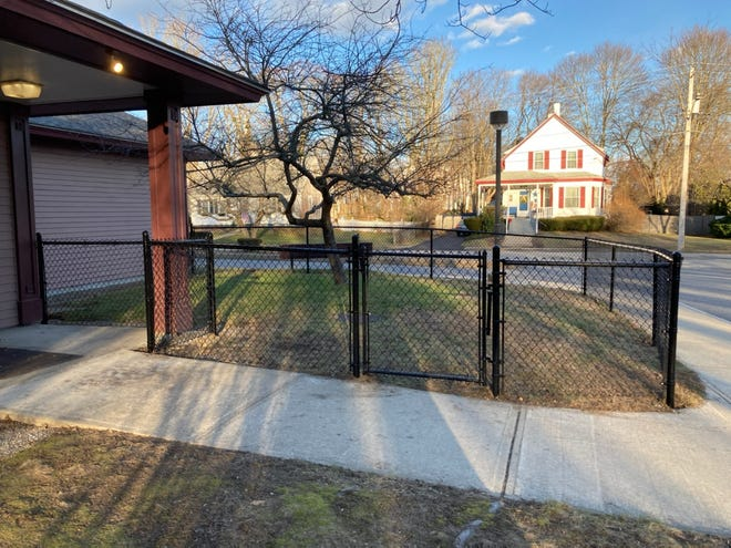 North Easton Savings Bank recently donated $3,000 to the Whitman Public Library to cover the cost of creating a safe, enclosed space for young children and their families visiting the library. This includes the fencing installed around the libraries interactive outdoor play area.