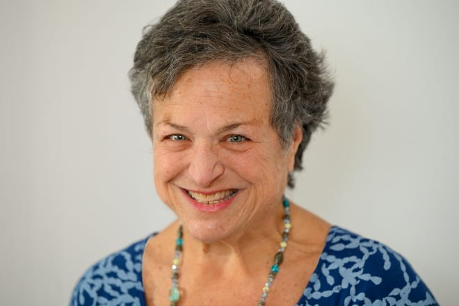 Reach Ina Resnikoff, the Swampscott Reporter's weekly columnist, at inar@rcn.com.