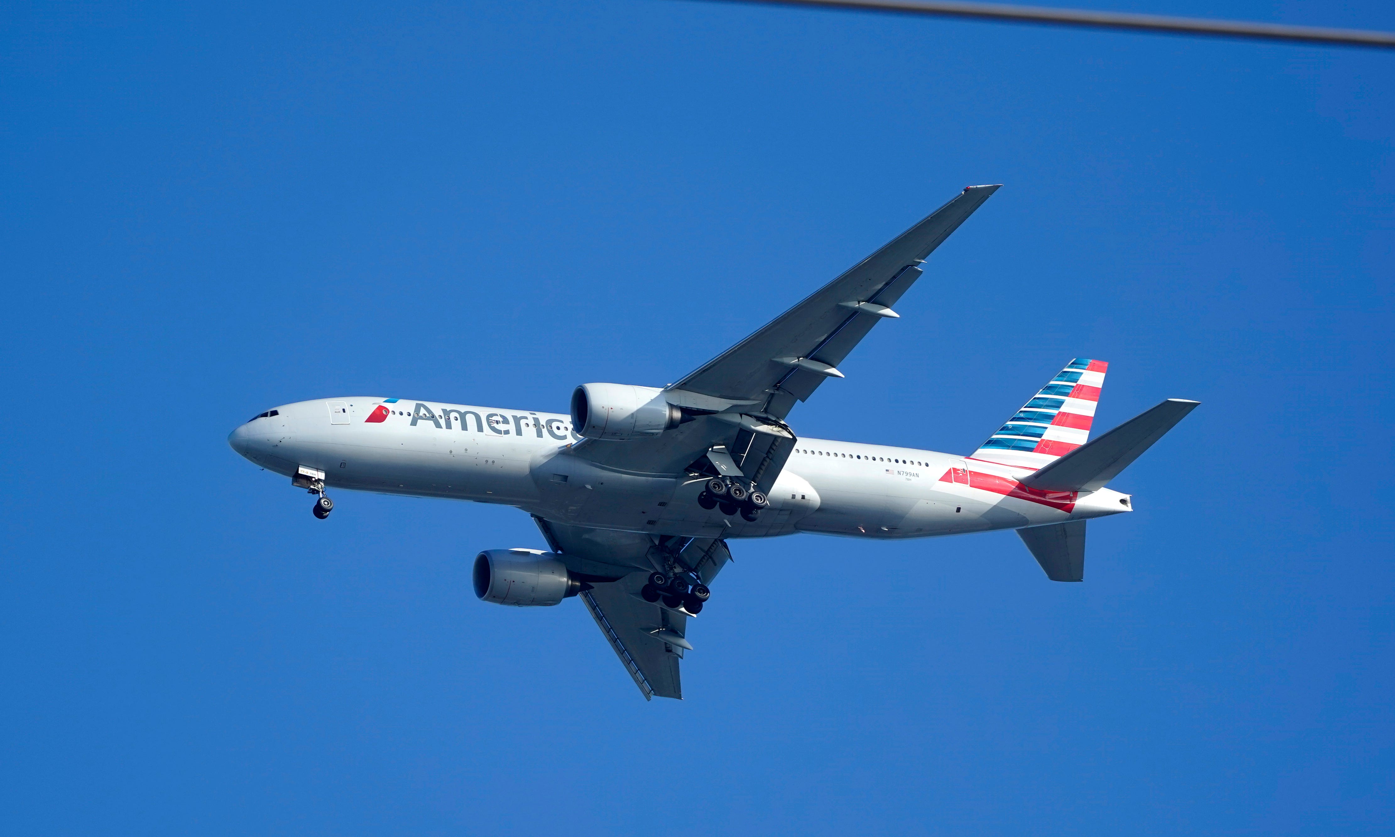The 3 biggest US airlines are suspending flights to Israel 1