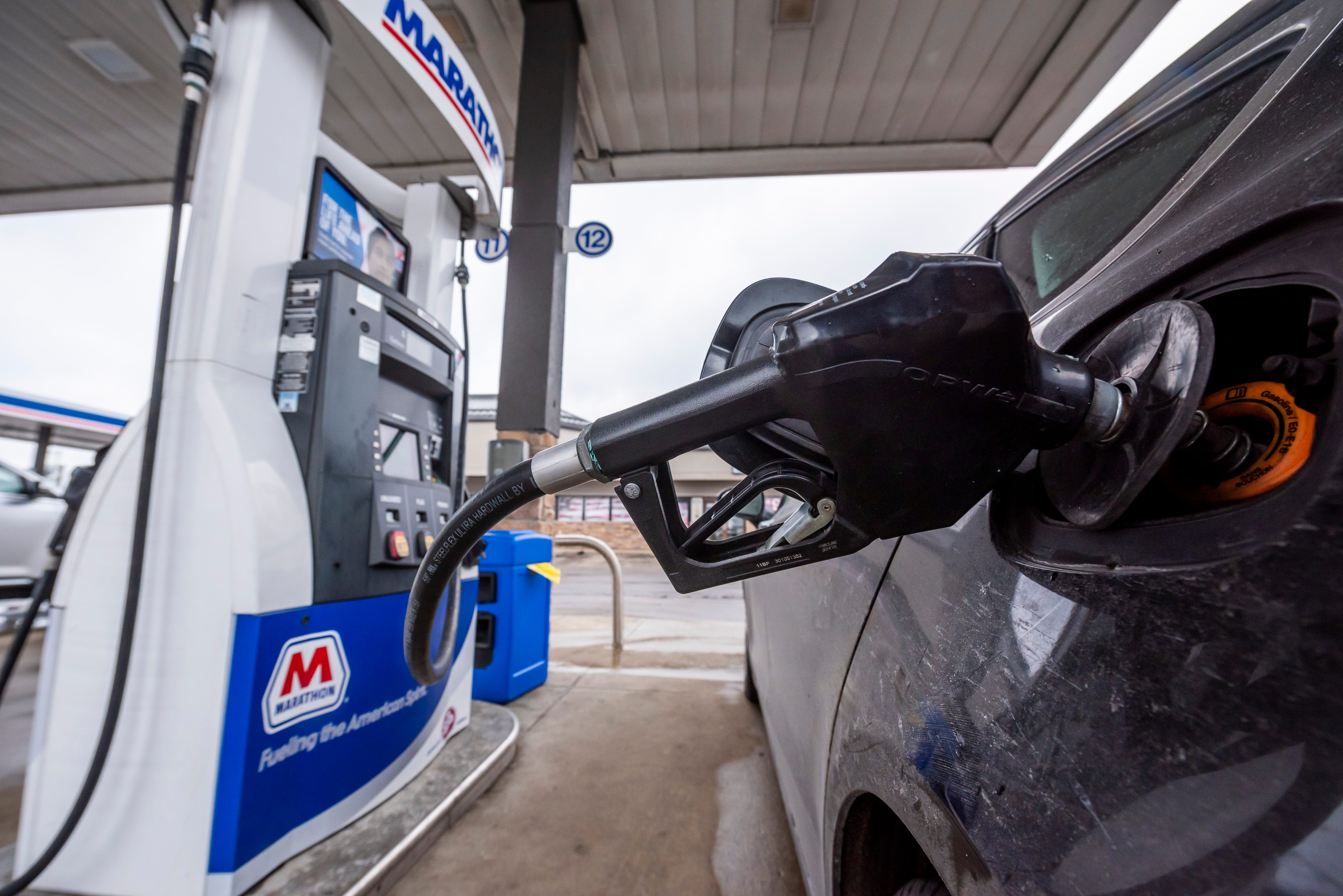 Americans desperate to get out set stage for gasoline comeback 2