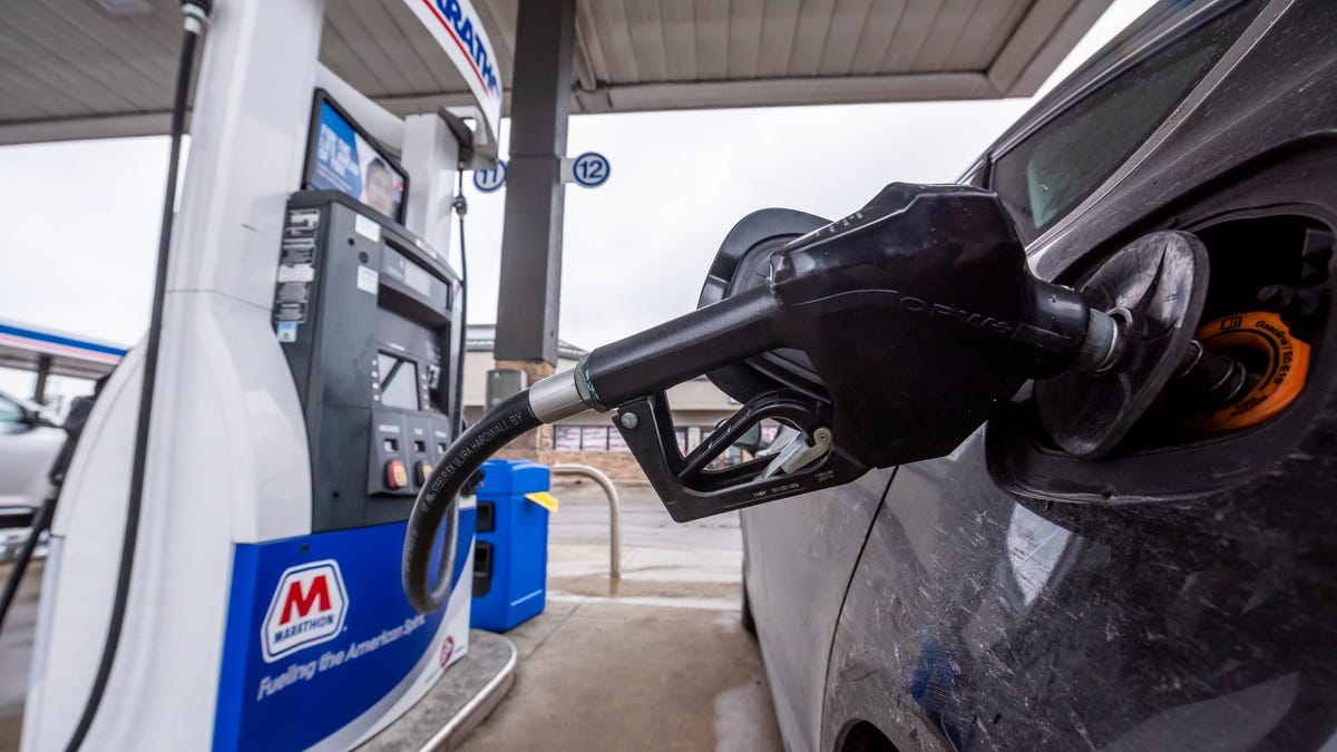 Americans desperate to get out set stage for gasoline comeback 3