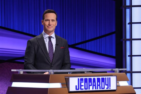 'Jeopardy!' executive producer (and former game-show host) Mike Richards will step behind the podium for two weeks starting Feb. 22.
