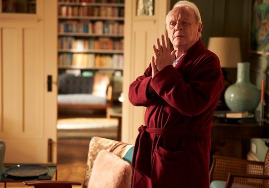 """Anthony Hopkins interpreta a un hombre con demencia en un esfuerzo por comprender su realidad cambiante en Florian Zeller """"el padre."""""""