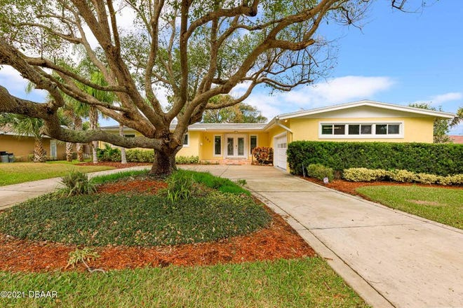 Nestled on a cul-de-sac between the Atlantic Ocean and the Halifax River, this Ormond Beach home has been beautifully updated, while keeping its original charm.