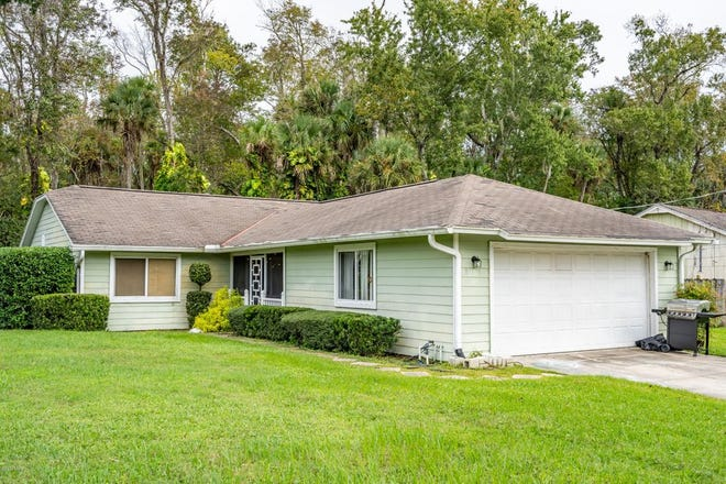 This home in the heart of Ormond Beach is ideal for a buyer who doesn't need VA or FHA financing and wants to be close to the water at a great price.