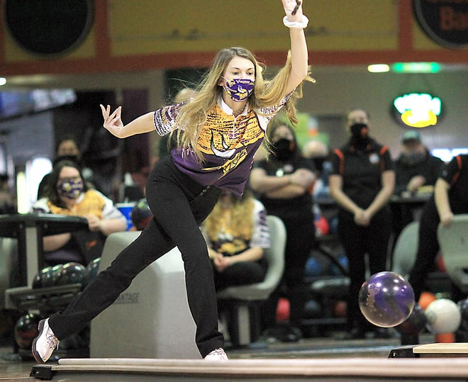 Bronson's Bella Cranson helped lead the Vikings to a win over Sturgis Monday.