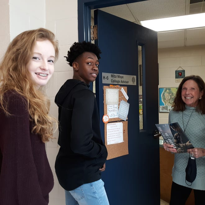From left, Parrott sophomores Morgan Boyce and Tomir Moore chat with award winning college advisor Mitzi Moye about their upcoming individual pre-college counseling sessions. [CONTRIBUTED PHOTO]
