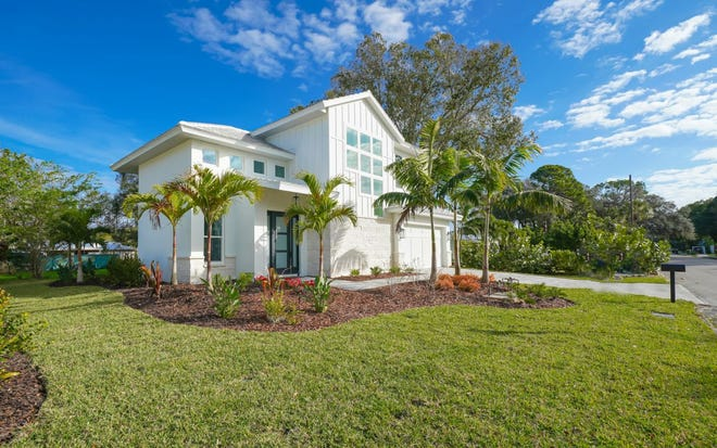 The COVID-19 virus did not prevent real estate investor Desiree Trahan and a team of women from bringing the 2,339-square-foot modern Craftsman in Arlington Park, Sarasota to the market with the asking price of $913,00.