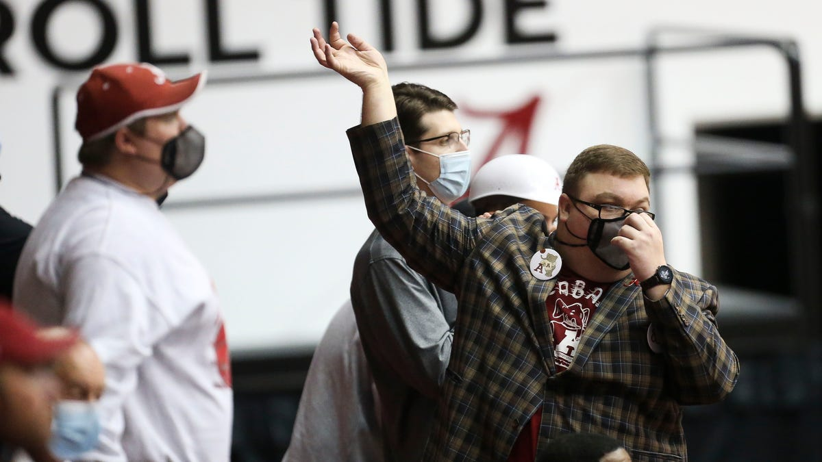 Alabama fan's COVID death after returning from NCAA Tournament raises many questions