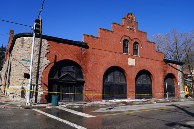 The Mt. Auburn Cable Railway Building at Dorchester and Highland avenues suffered a collapse Monday night due to the weight of snow on its roof, according to the Cincinnati Fire Department.