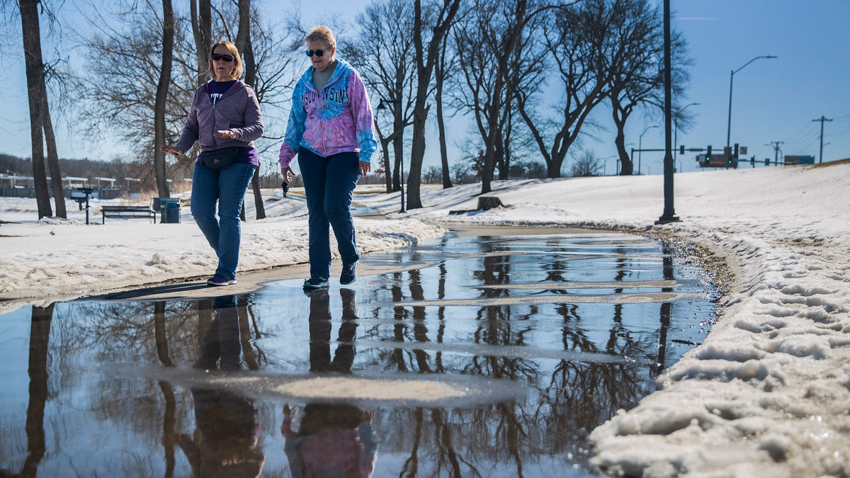 Photos: Iowans get outside on a warm weather day in February