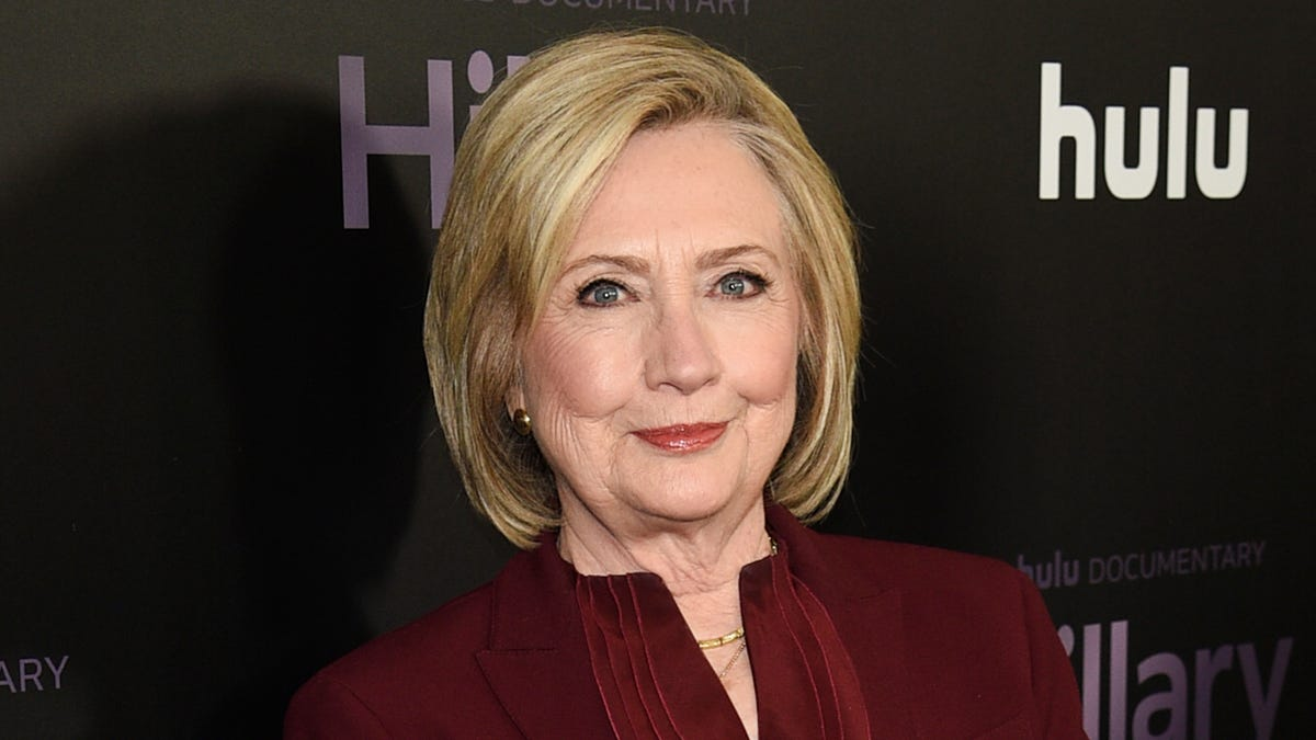 Hillary Clinton and Louise Penny co-writing mystery novel 2