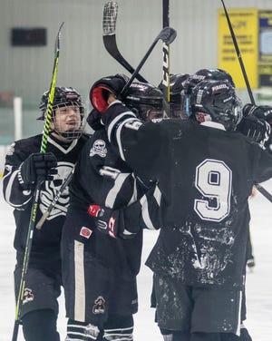 Pinckney's hockey team is 5-2 and riding a four-game winning streak.
