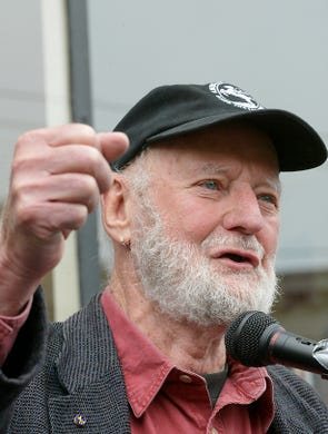 """Poet, publisher and bookseller <a href=""""https://www.usatoday.com/story/entertainment/books/2021/02/23/lawrence-ferlinghetti-pioneering-poet-beat-movement-dead-101/4562072001/"""">Lawrence Ferlinghetti</a>, who helped launch and advance the&nbsp;<a href=""""https://www.usatoday.com/story/entertainment/books/2020/10/28/diane-di-prima-activist-one-last-beat-poets-dead-86/6064538002/"""" rel=""""noopener"""" target=""""_blank"""">Beat movement</a>, died on Feb. 22 at the age of 101, his son Lorenzo told The Associated Press. The cause was lung disease.&nbsp;Ferlinghetti was known for his City Lights bookstore in San Francisco, an essential meeting place for the Beats and other bohemians in the 1950s and beyond."""