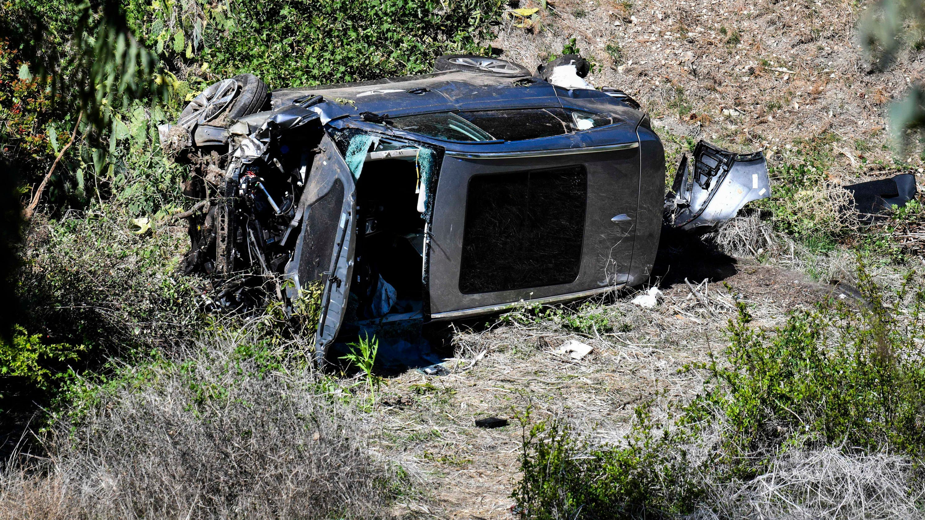 Tiger Woods suffers multiple leg injuries in single-car crash in Southern California