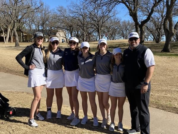 The Stephenville High School Bees Golf team finished second on Monday at the Lady Blues Invitational in Graham.