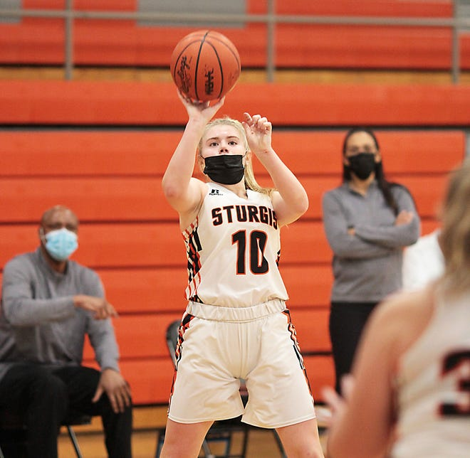 Rylee Carver puts up a shot against Niles on Tuesday.