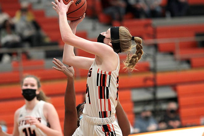 Korin Whitcomb of Sturgis heads in for a layup opportunity against Niles on Tuesday.
