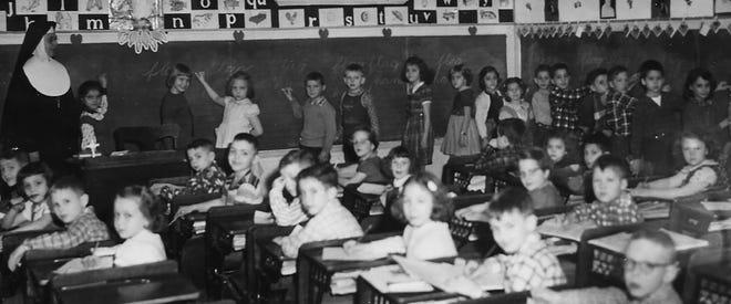 Sister Anaceleta and Gary Gleason's 2nd grade class.