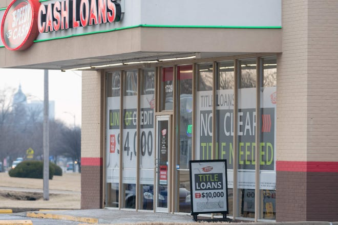Speedy Cash at 1729 NW Topeka Blvd provides title loans and lines of credit.