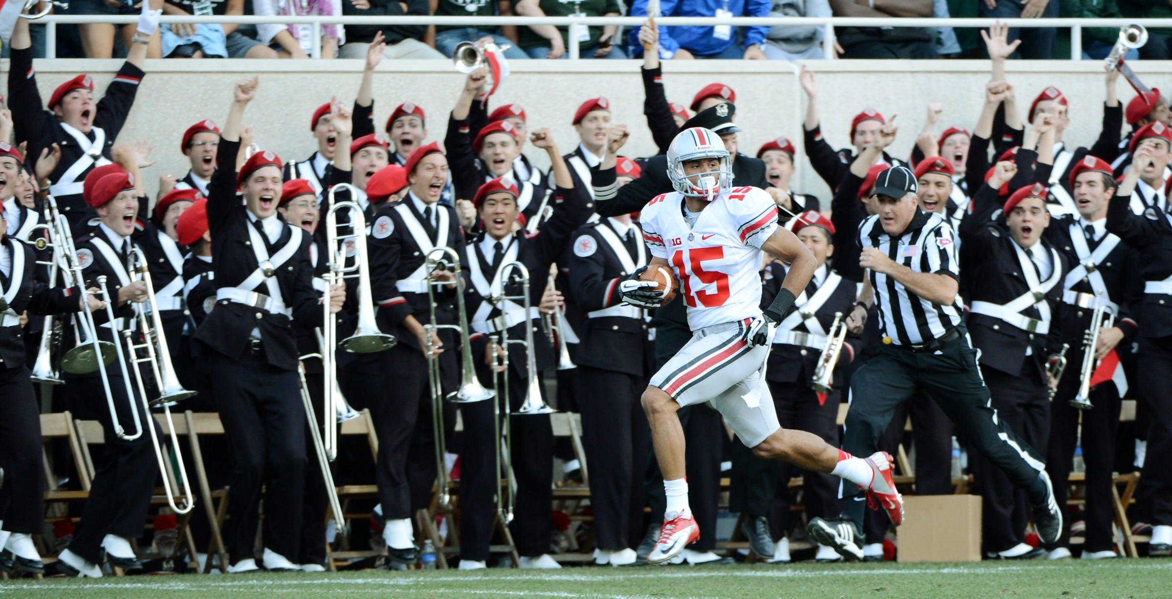 Ohio State Buckeyes wide receiver Devin Smith (15)  runs to endzone  at Spartan Stadium, September 29, 2012.