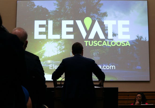 Mayor Walt Maddox presents the Elevate Tuscaloosa initiative to the Tuscaloosa City Council Tuesday, Jan. 29, 2019. The program is designed to upgrade the experience related economic opportunities for the city.  [Staff Photo/Gary Cosby Jr.]