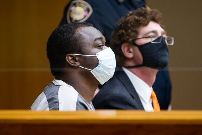 Raiquan Stapleton, left, during his hearing in Knox County Criminal Court on Thursday, February 25, 2021.