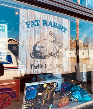 The outside of Fat Rabbit Thrift & Vintage at 1000 E. Oak St.