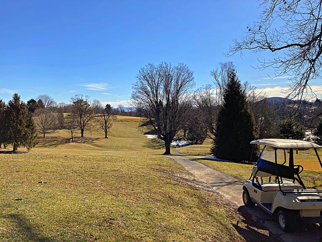 The Gypsy Hill Gold Course offers views of the mountain ranges and city.