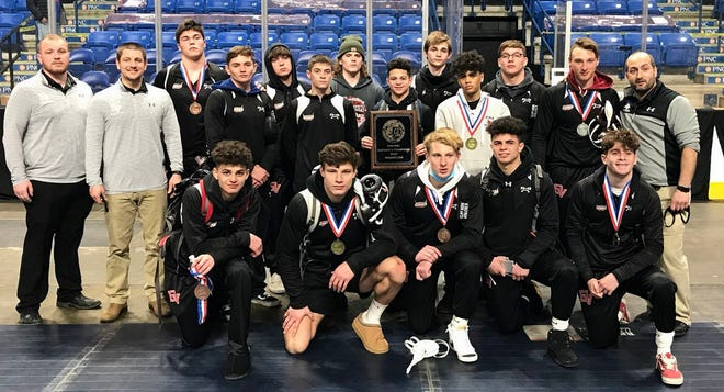 The Delaware Valley varsity wrestling team clinched its second straight title last weekend at the District 2 Class AAA championships. The event was held at Mohegan Sun Arena in Wilkes Barre.